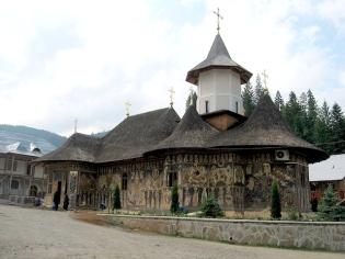 manastirea-petru-voda-neamt-infopensiuni.ro_