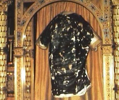 camasa-lui-hristos-expunere-exceptionala-iar-pentru-camasa-mea-a